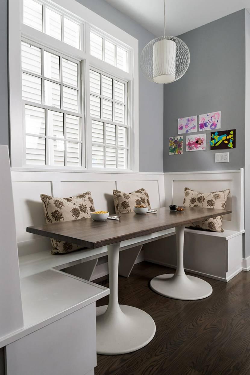 Обеденное место на кухне с эркером - П-образный диван. Фото 4