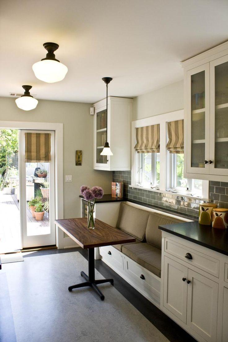 Обеденное место на кухне с эркером - уютный гарнитур. Фото 10