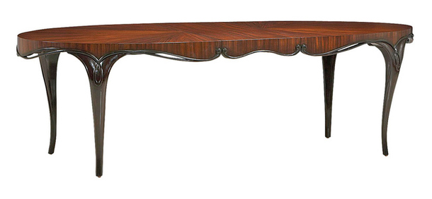 Длинный стол из натуральной древесины