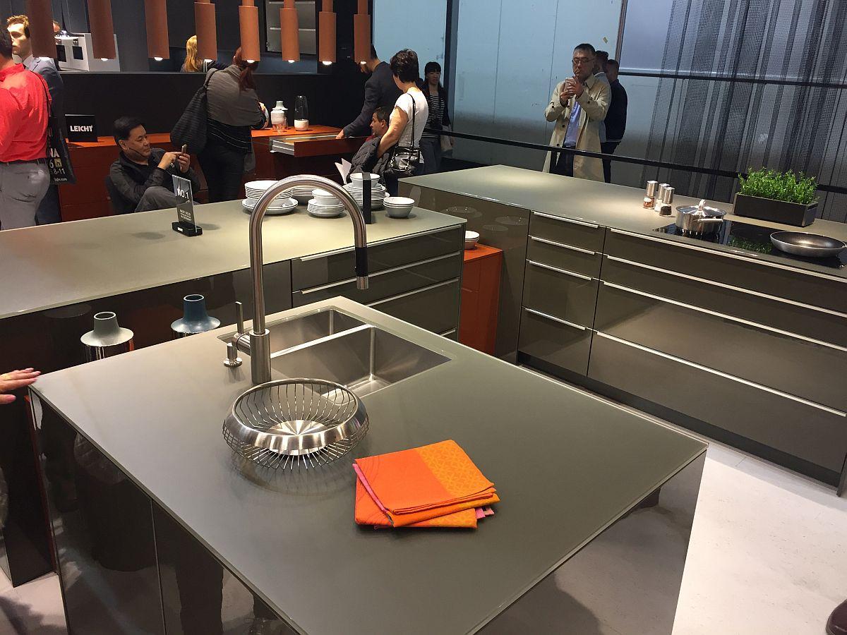 Оборудование современной кухни: изысканный смеситель