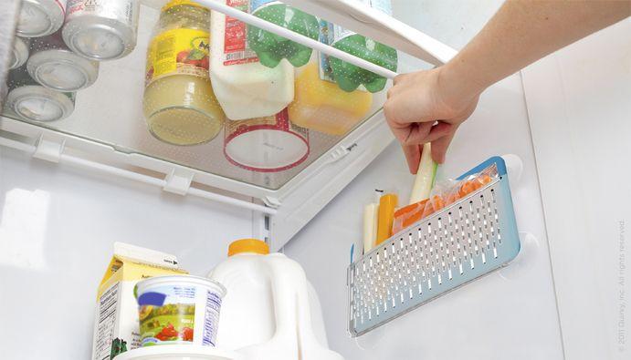 Дополнительный кармашек на внутренней стенке холодильника