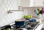 Креативный дизайн смесителя Pot filler от Karen Viscito Interiors