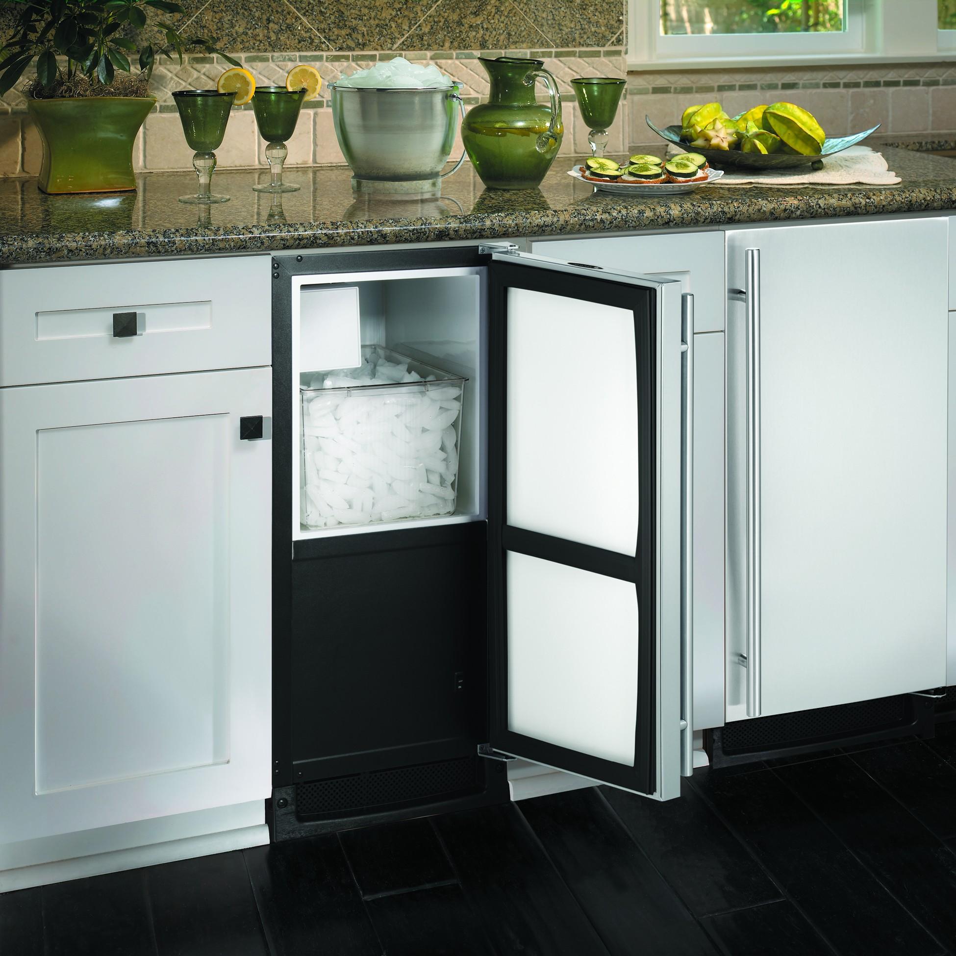 Лёдогенератор, встроенный в кухонный гарнитур от Jamie Gold, CKD, CAPS
