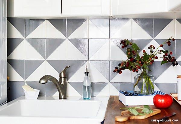 Красивый узор на кухонной плитке