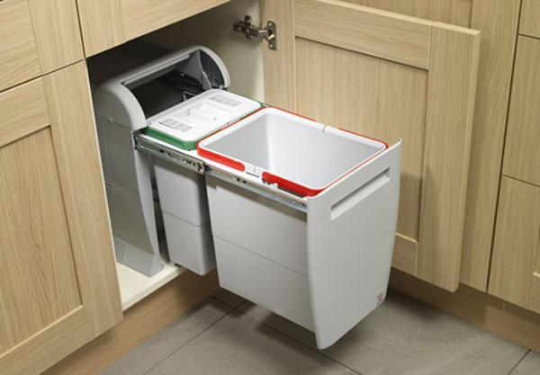 Выдвижной пластиковый контейнер для мусора, встроенный в кухонный шкафчик