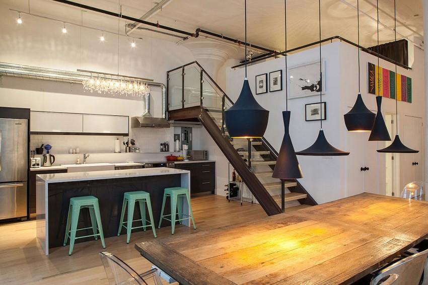 Оригинальные барные стулья ярко-зелёных оттенков в интерьере кухни - Фото 2