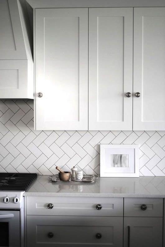 Идеи недорогого ремонта кухни: старинные элементы