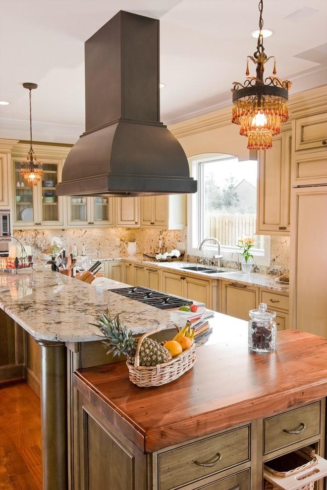 Роскошные винтажные люстры для кухни