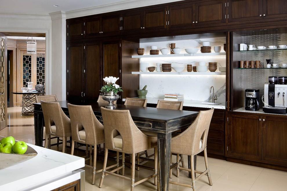 Оригинальные стулья для кухни в классическом стиле