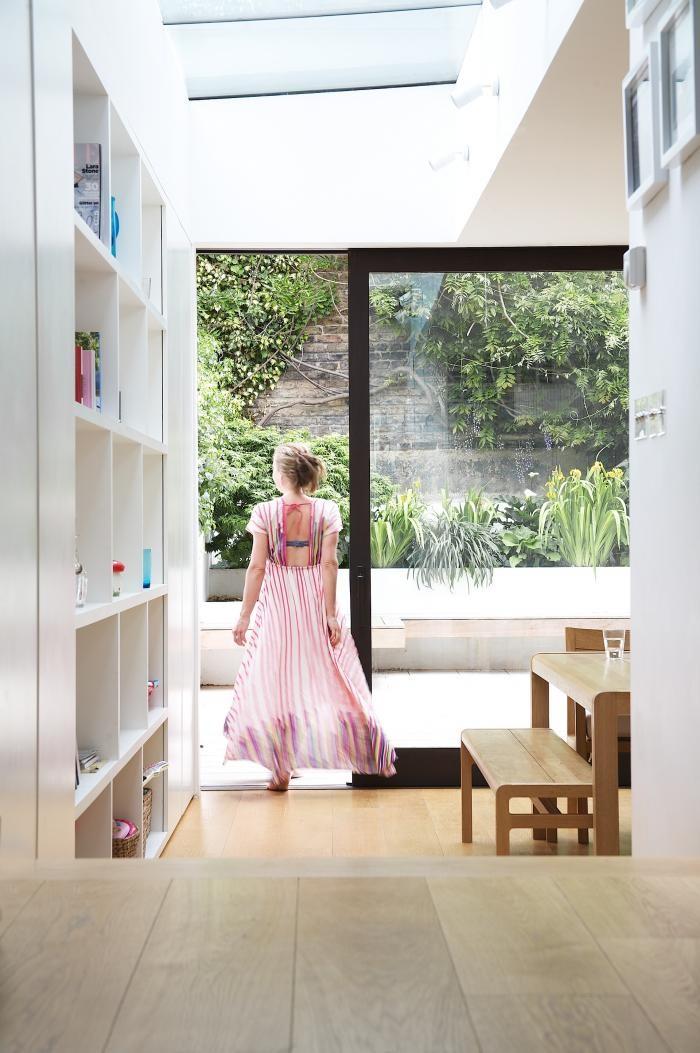 Перепланировка кухни - светлый пол в интерьере
