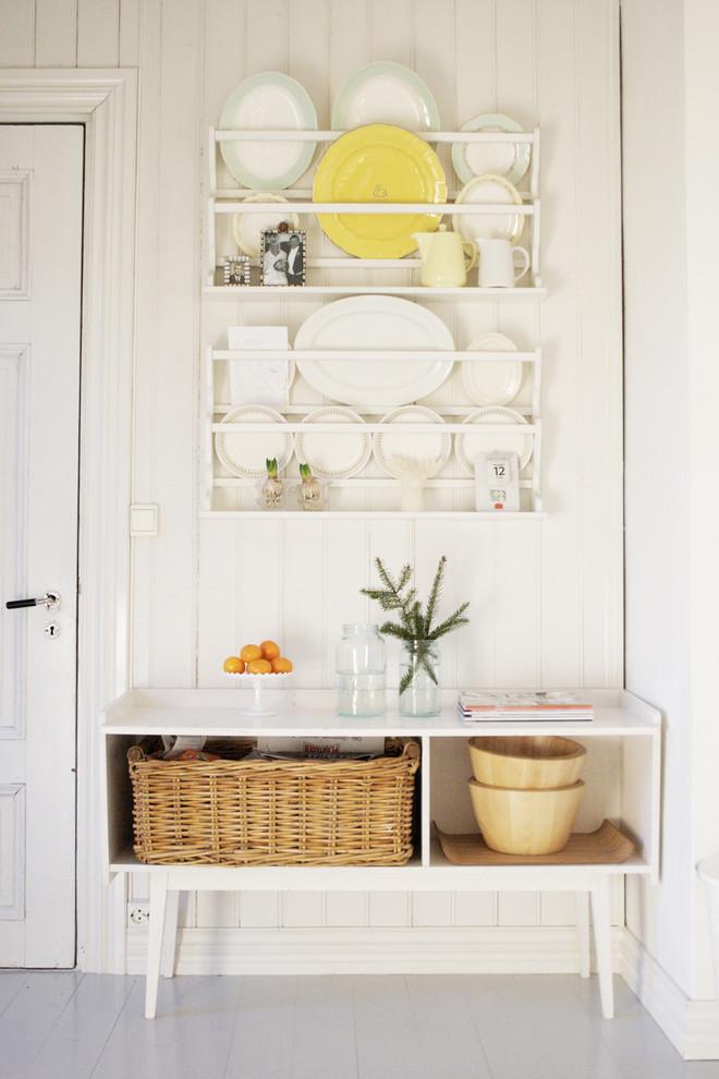 Дизайн-идея расположения сушилки для тарелок в интерьере кухни от Jeanette Lunde