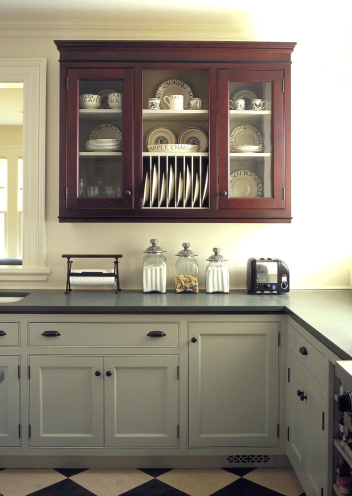 Дизайн-идея расположения сушилки для тарелок в интерьере кухни от Kenzer Furniture