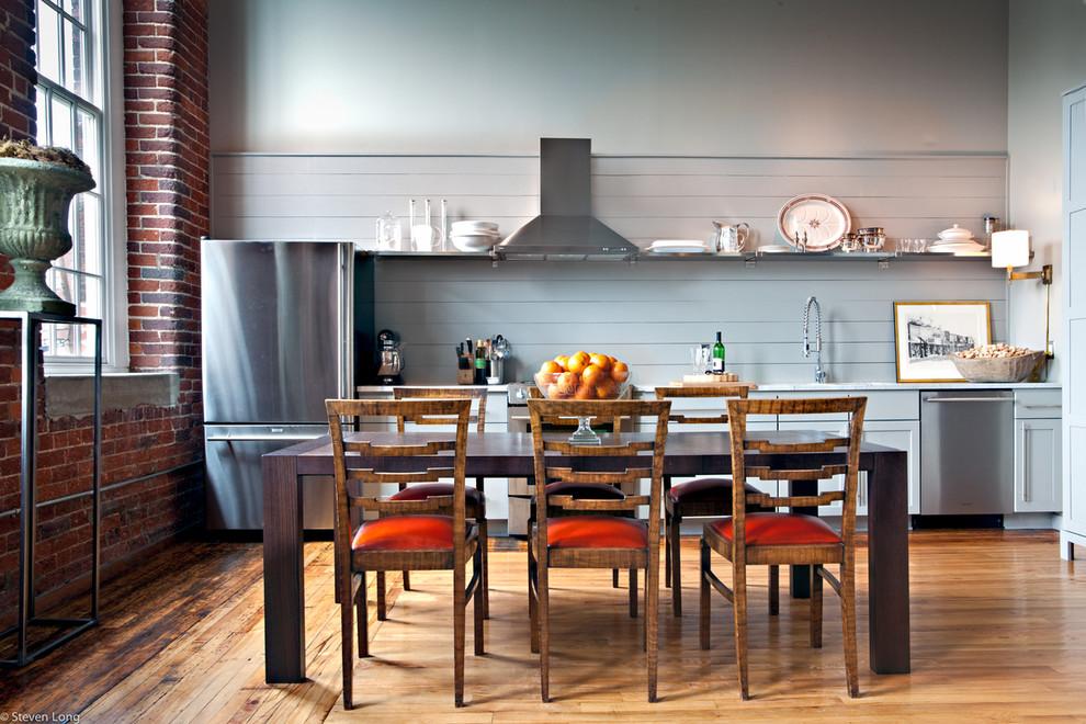 Дизайн деревянной мебели в интерьере кухни