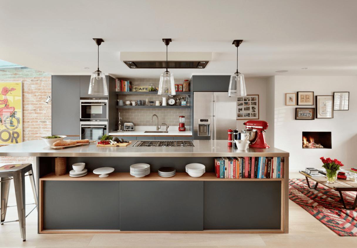 Теплые оттенки серого и коричневого делаю интерьер кухни уютным