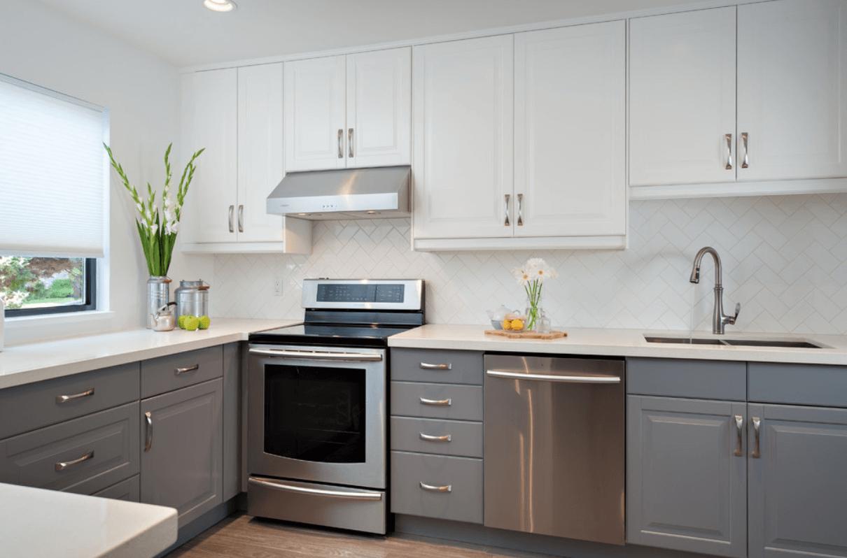 Дизайн кухни в спокойных тонах