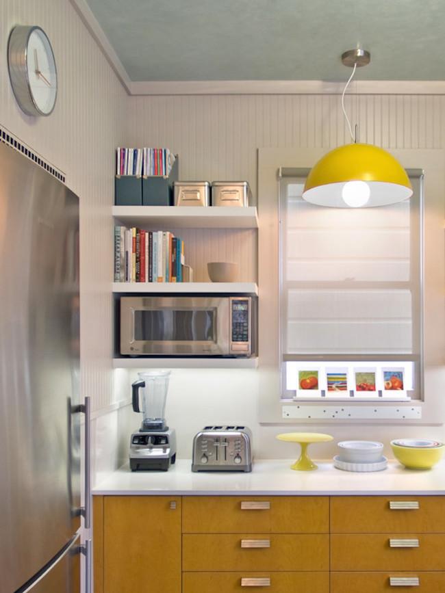 Полки на кухне на углу
