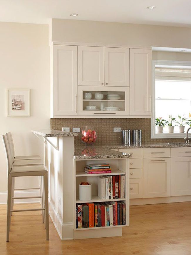 Полки на кухне, встроенные в остров - фото 1