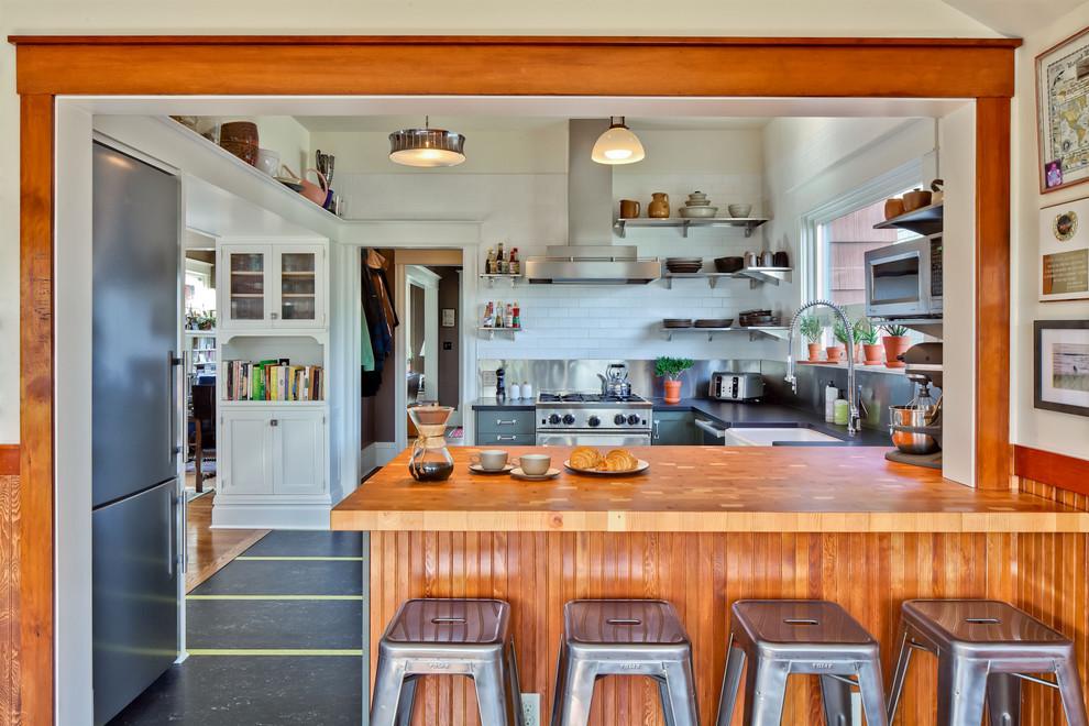 Стильный дизайн интерьера кухни от Gaspar's Construction
