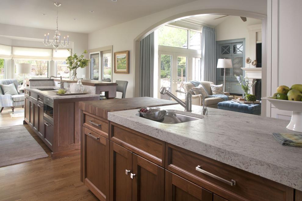 Стильный дизайн интерьера кухни от Exquisite Kitchen Design