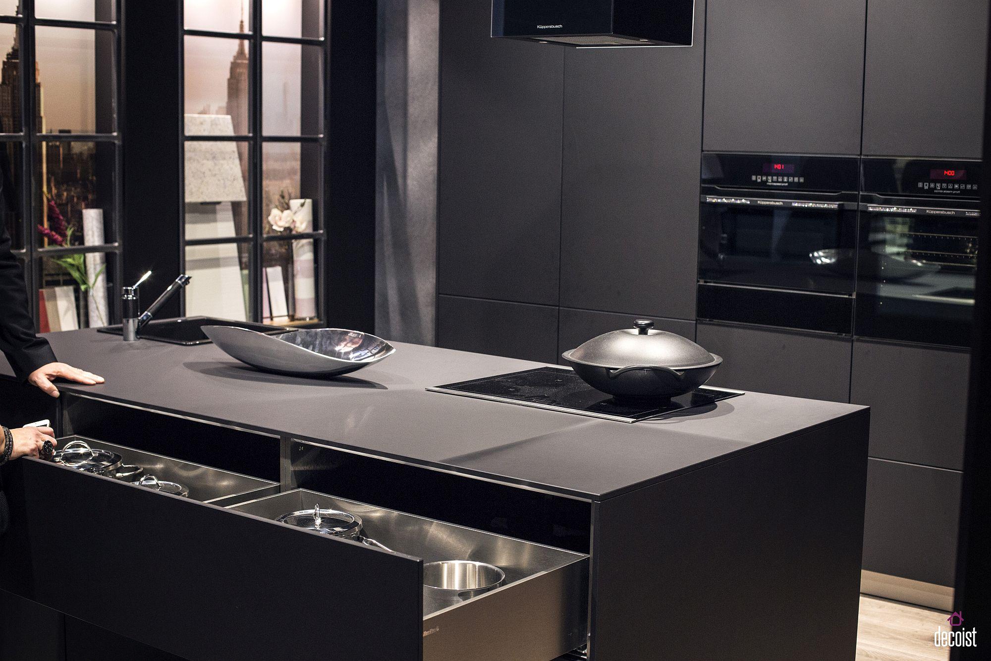 Стильный дизайн чёрно-серой кухни - фото 16