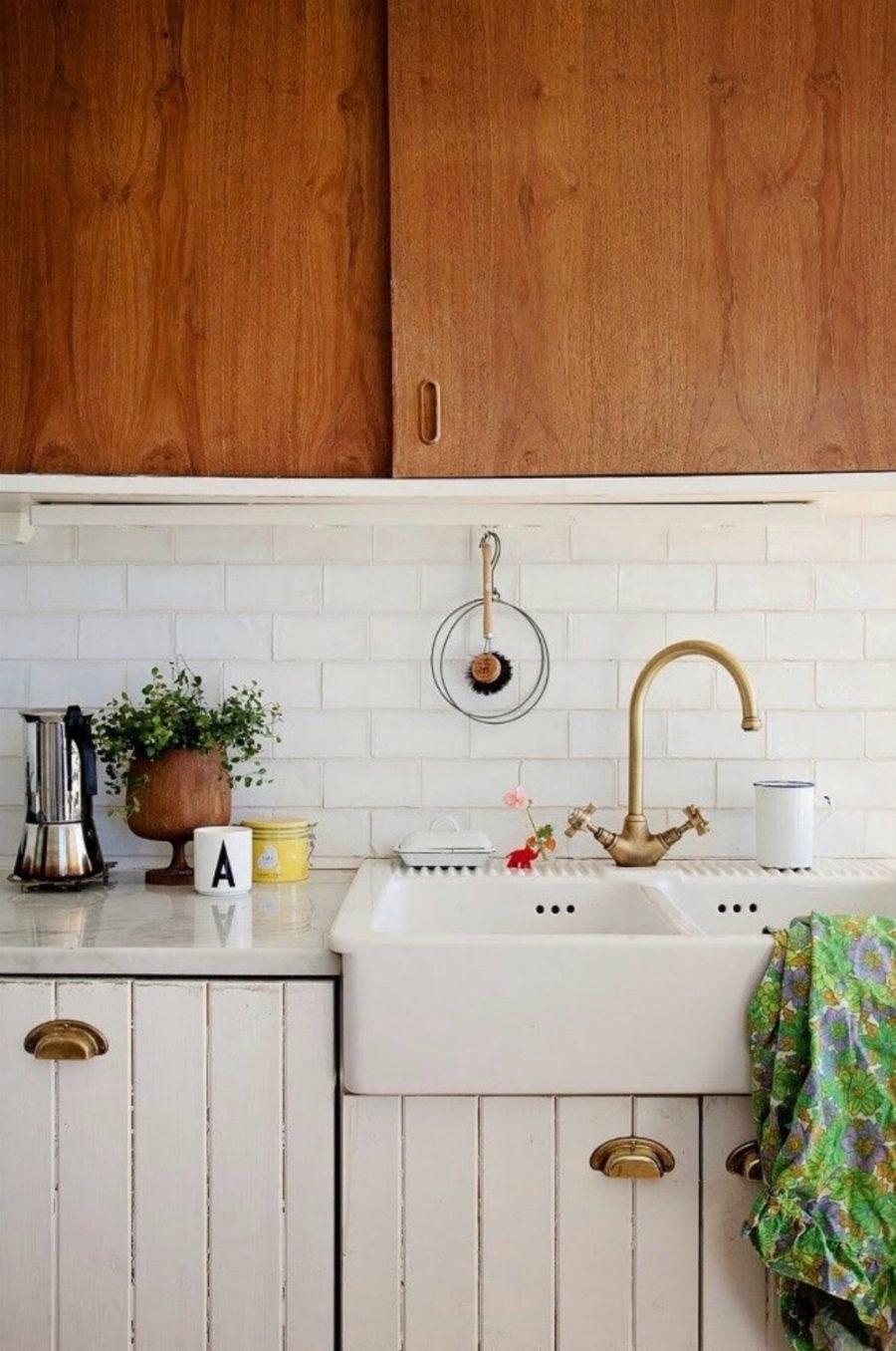 Оригинальный дизайн раковин для кухни - дерево в интерьере