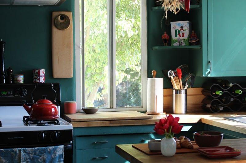 Эффективные идеи хранения вещей на кухне