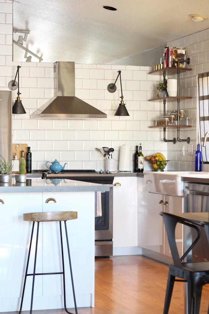 Варианты ремонта кухни: плитка в стиле метро