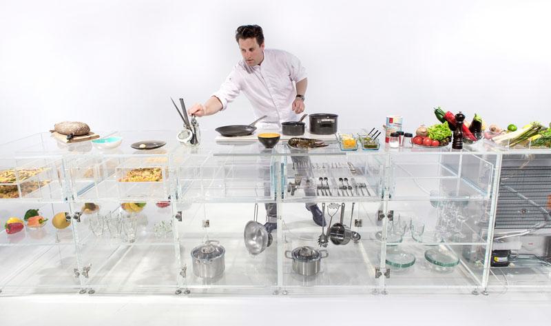 Прозрачные шкафы для кухни в современном стиле