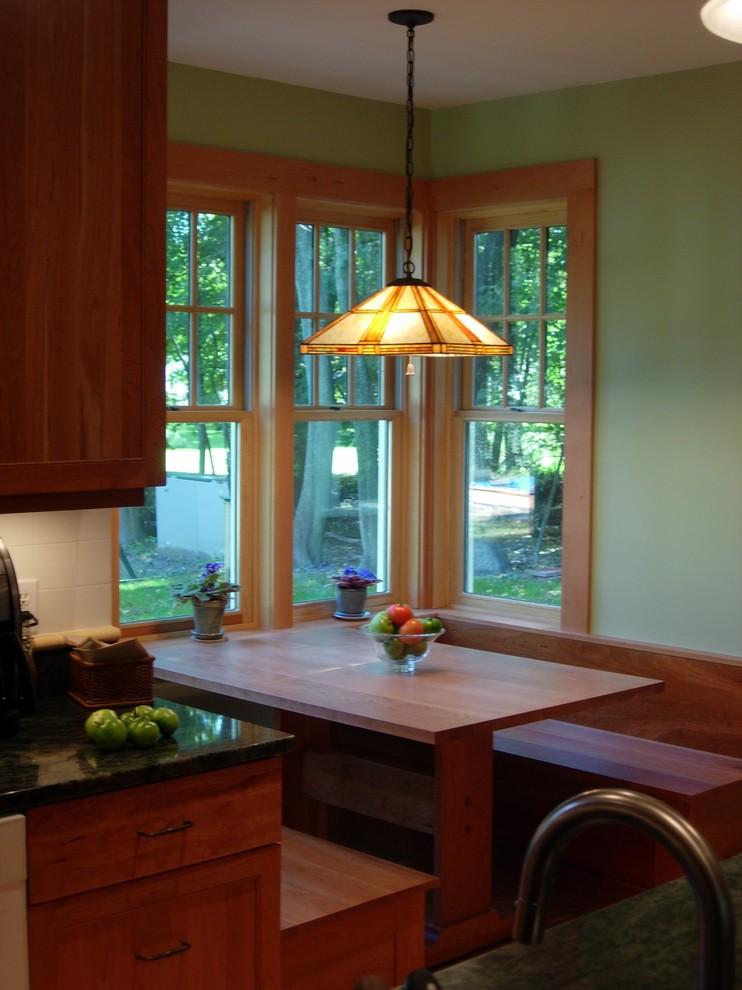 Элегантный дизайн интерьера кухни в классическом стиле от David Whitney