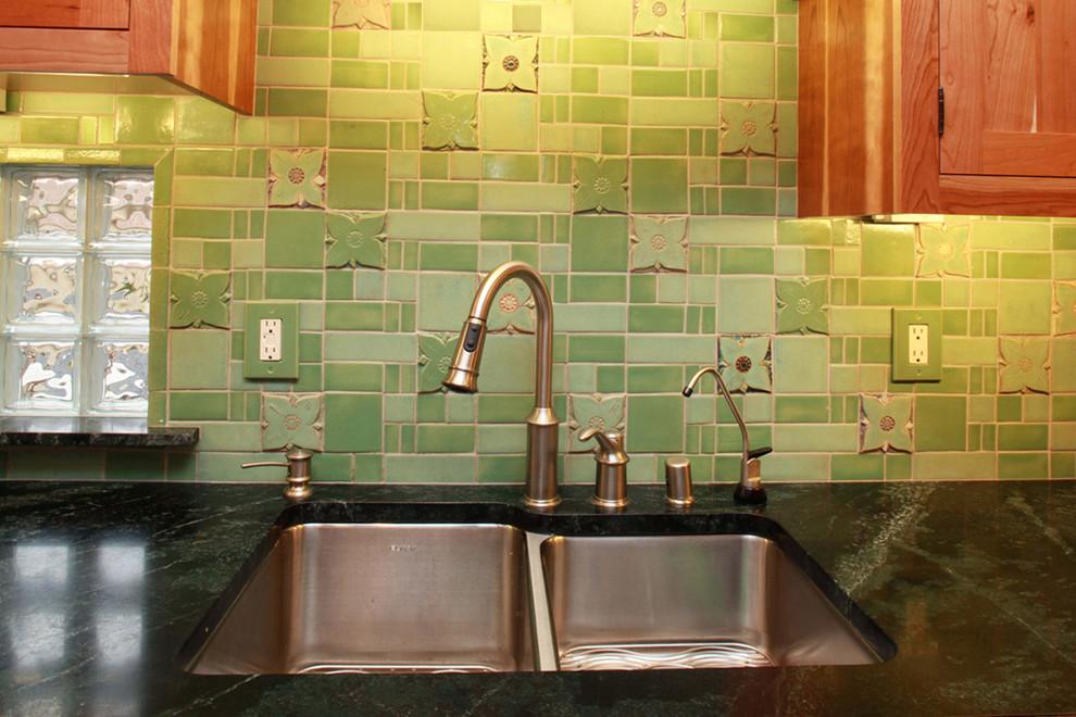 Элегантный дизайн интерьера кухни в классическом стиле от Clay Squared to Infinity