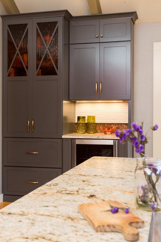 Кухонные шкафы графитого цвета