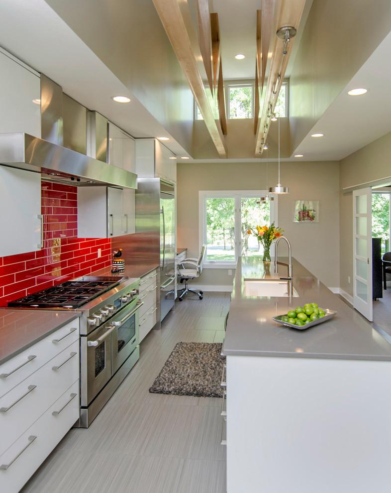Красный кухонный фартук - фото 9