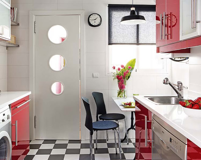 Феерический дизайн интерьера кухни в красно-белых тонах