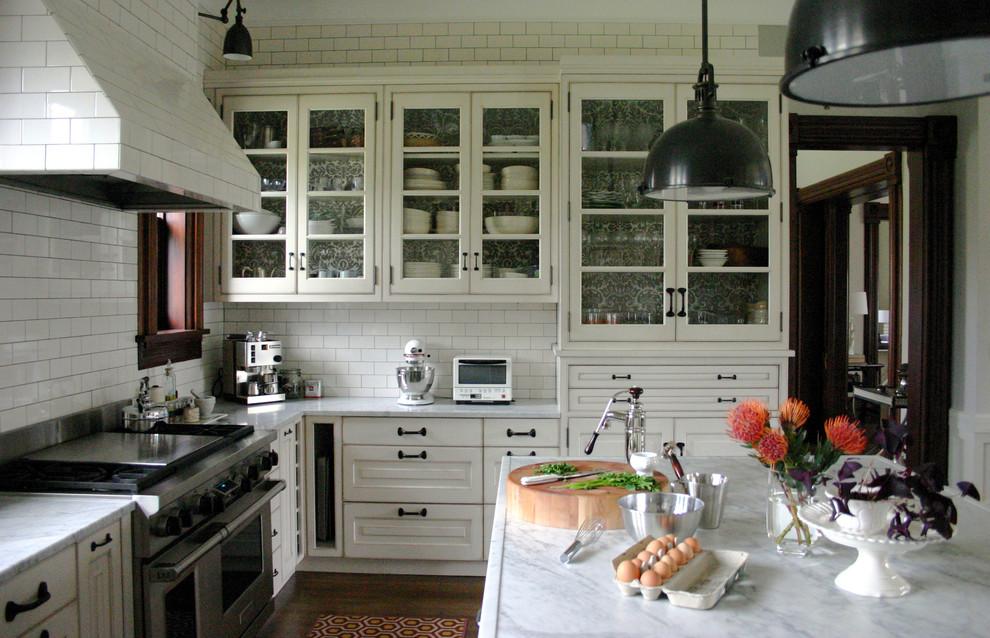 Оригинальное оформление кухонной столешницы от Rebekah Zaveloff   KitchenLab
