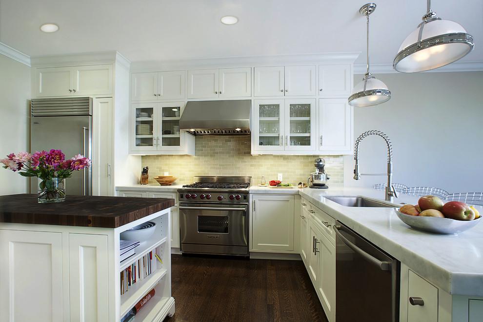 Оригинальное оформление кухонной столешницы от Andre Rothblatt Architecture
