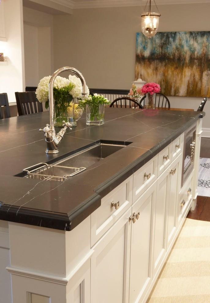 Оригинальное оформление кухонной столешницы от Meredith Heron Design