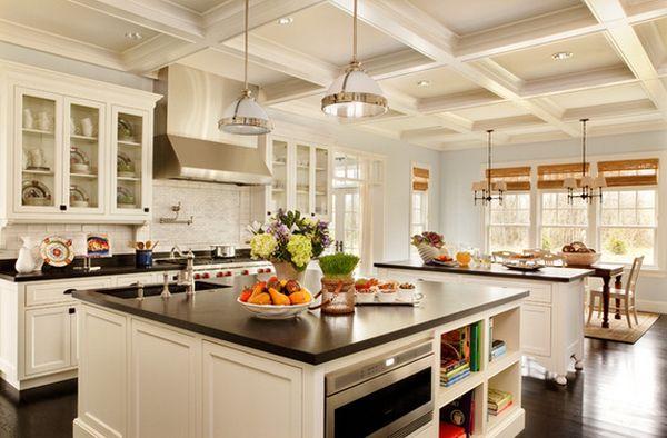 Кухонный остров со встроенной техников