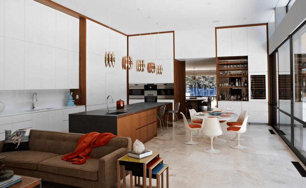 Современный дизайн совмещенной кухни с гостиной