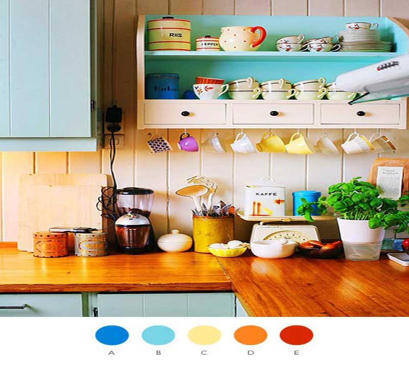 Открытые полки с разноцветной керамической посудой
