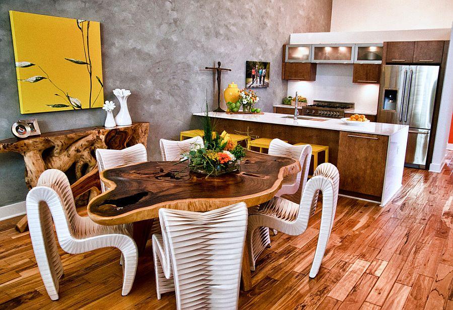 Серо-жёлтый интерьер кухни: изысканный деревянный стол