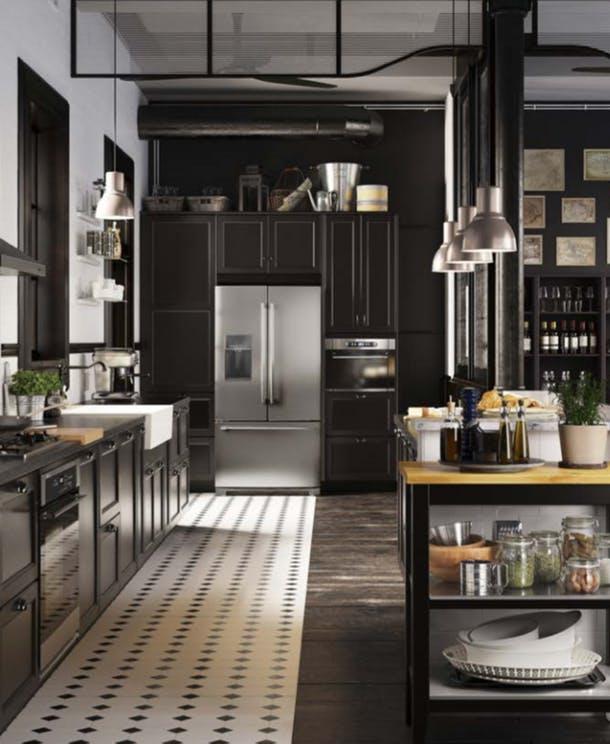 Кухня в тёмном цвете
