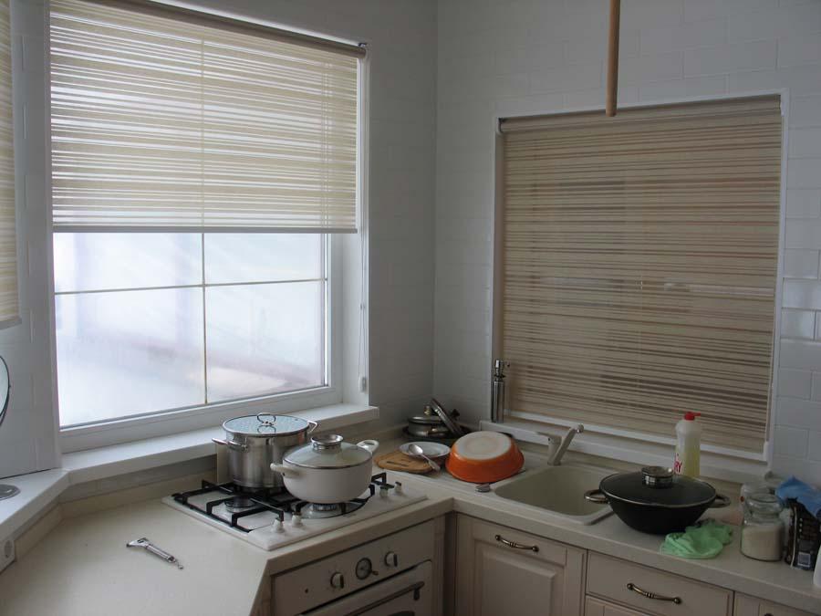 Шторы на кухню: рулонные завесы из бамбука