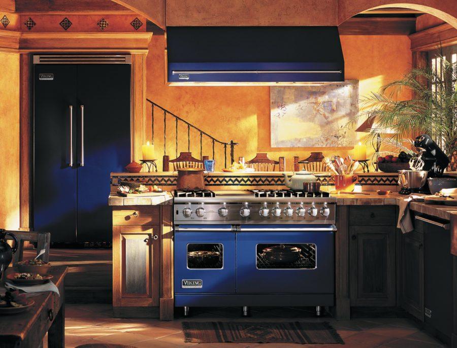 Необычный синий цвет в интерьере кухни - синий кобальт
