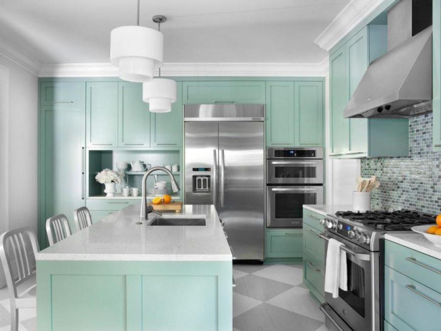 Необычный синий цвет в интерьере кухни - несколько оттенков синего