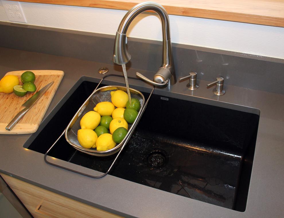 Кухонная мойка из гранита