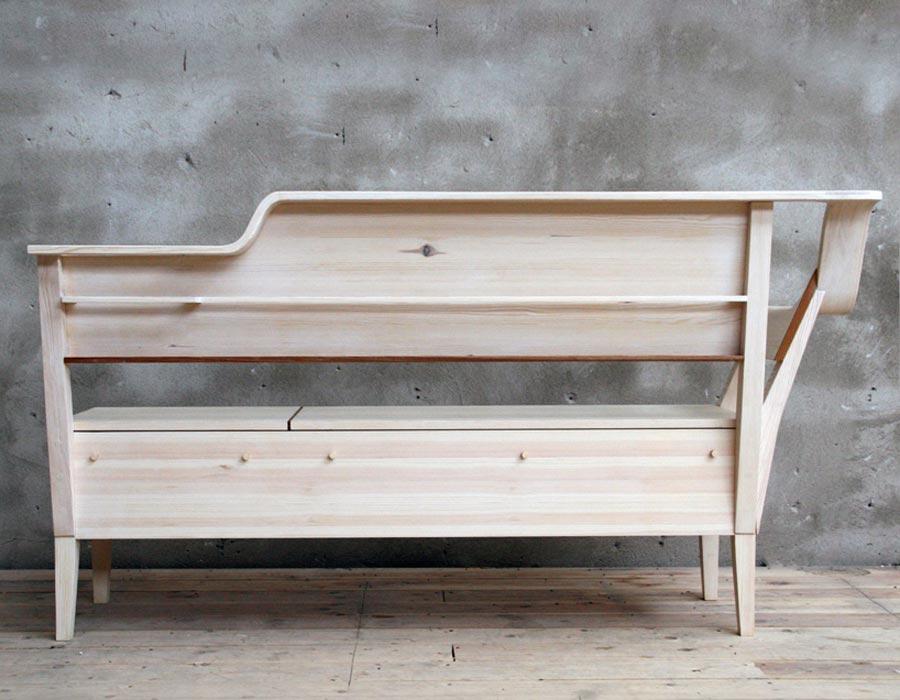 Функциональный дизайн деревянной скамейки På Sofflocket