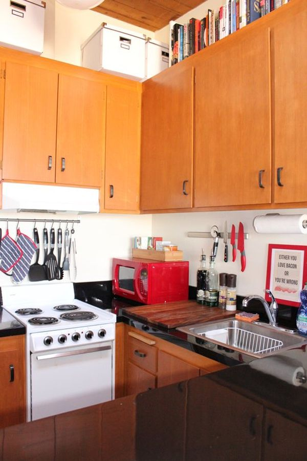 Дизайн интерьера маленькой кухни из натурального дерева