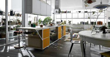 Современная кухонная мебель для просторной кухни