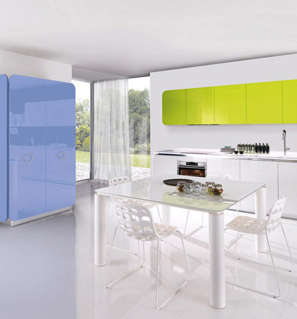 Современная мебель для кухни: ярко-салатовые навесные шкафчики