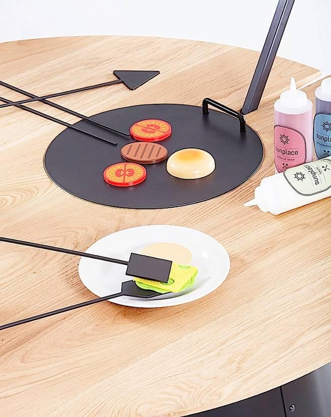 Солнечная плита в обеденном столе